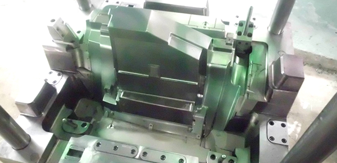 Big Plastic Injection Mold Manufacture
